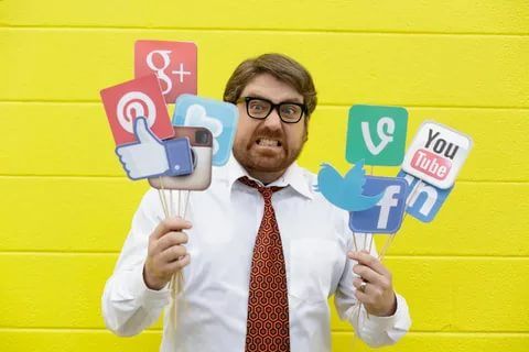 what is Social media marketing rate card?!