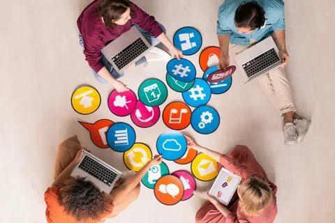 social media manager tasks